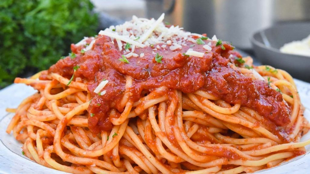 Loại bỏ hạt cà chua cho nước sốt thơm ngon