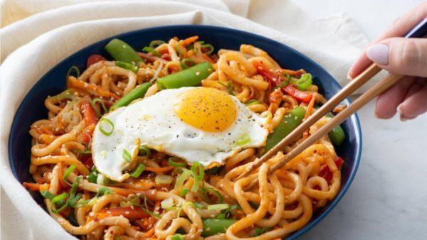 Mỳ Ý trứng ốp la vô cùng đơn giản và dễ thực hiện
